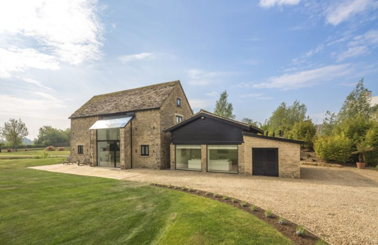 1830s Barn conversion set on 2 acres of land